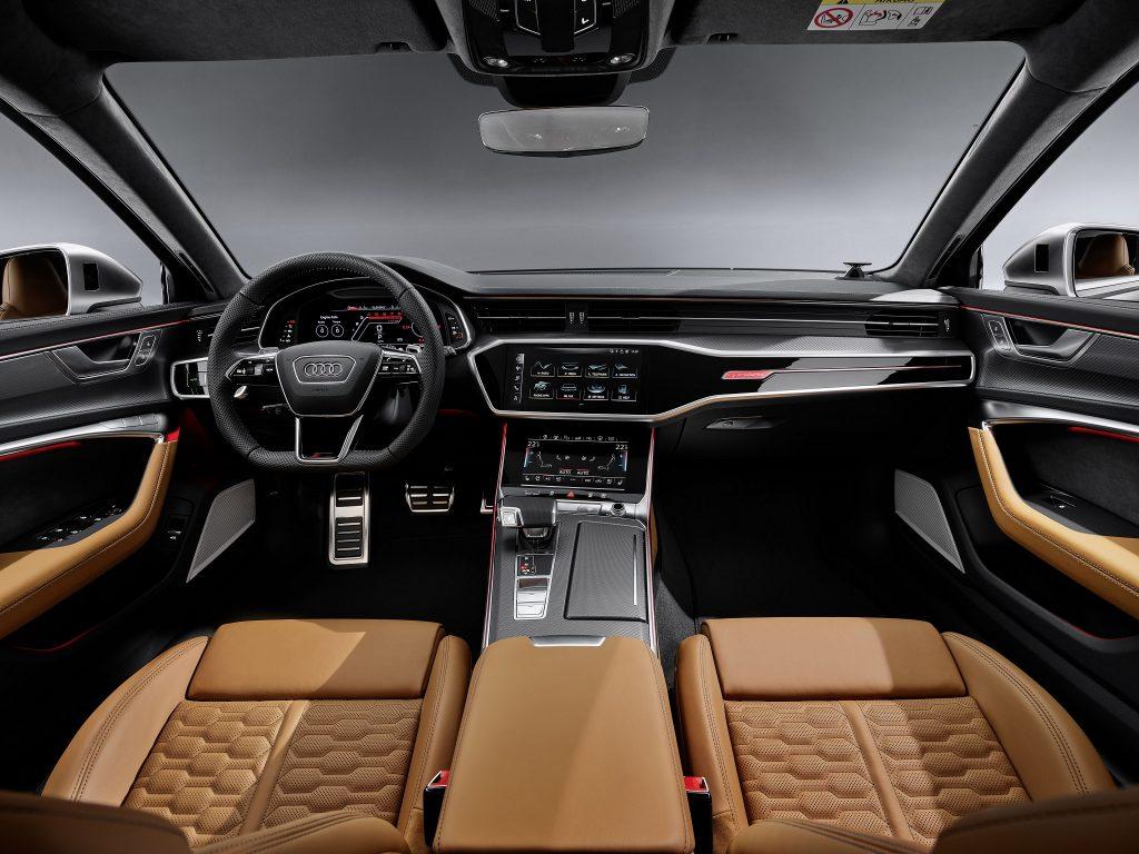 Новый Audi RS6 Avant, передняя панель