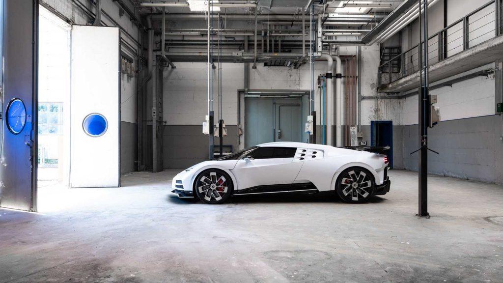 Bugatti Centodieci 2019, вид сбоку