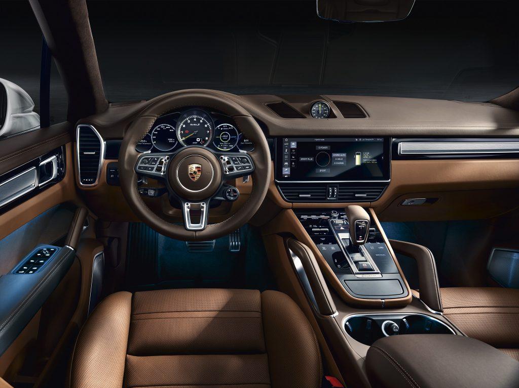 Новый Porsche Cayenne Turbo S E-Hybrid, салон