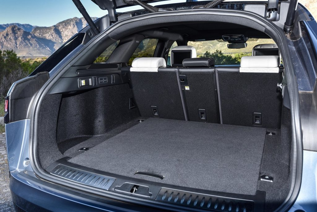 Новый Range Rover Velar SVAutobiography Dynamic, багажник