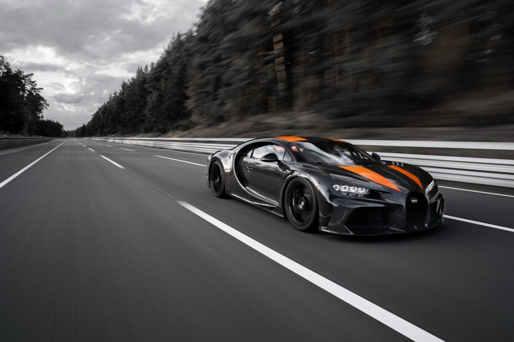 Bugatti Chiron Super Sport 300+, вид на переднюю диагональ