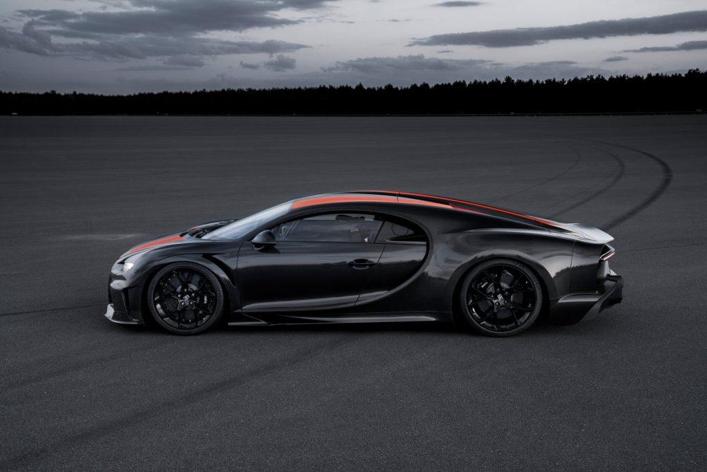 Bugatti Chiron Super Sport 300+, вид сбоку