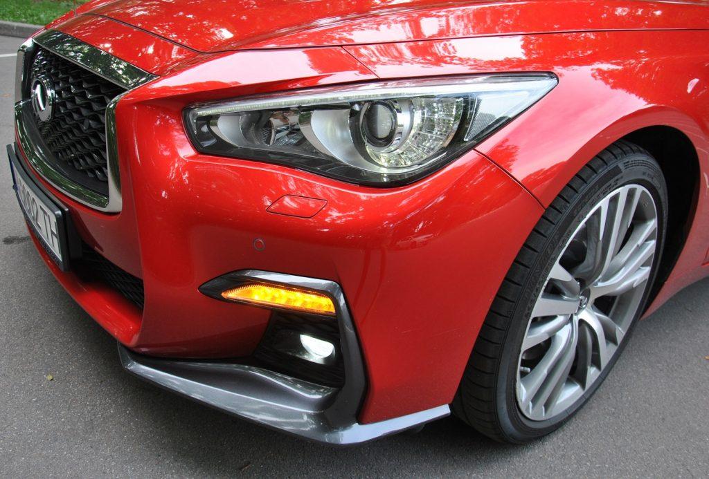 Новый Infiniti Q50, светодиодные фары