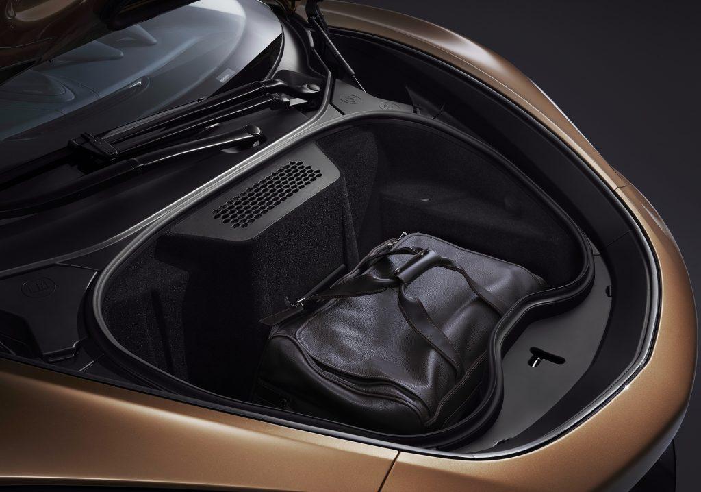 Новый McLaren GT, передний багажник