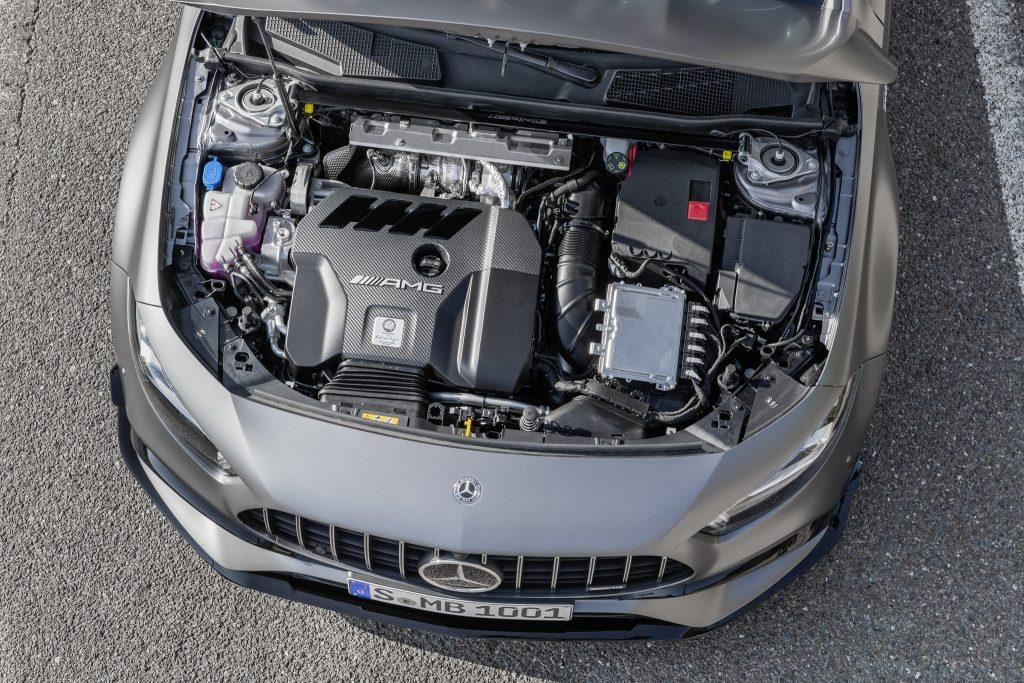Новый Mercedes-AMG A45, двигатель