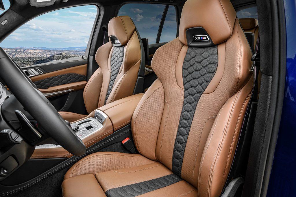 BMW X5 M, передние сиденья