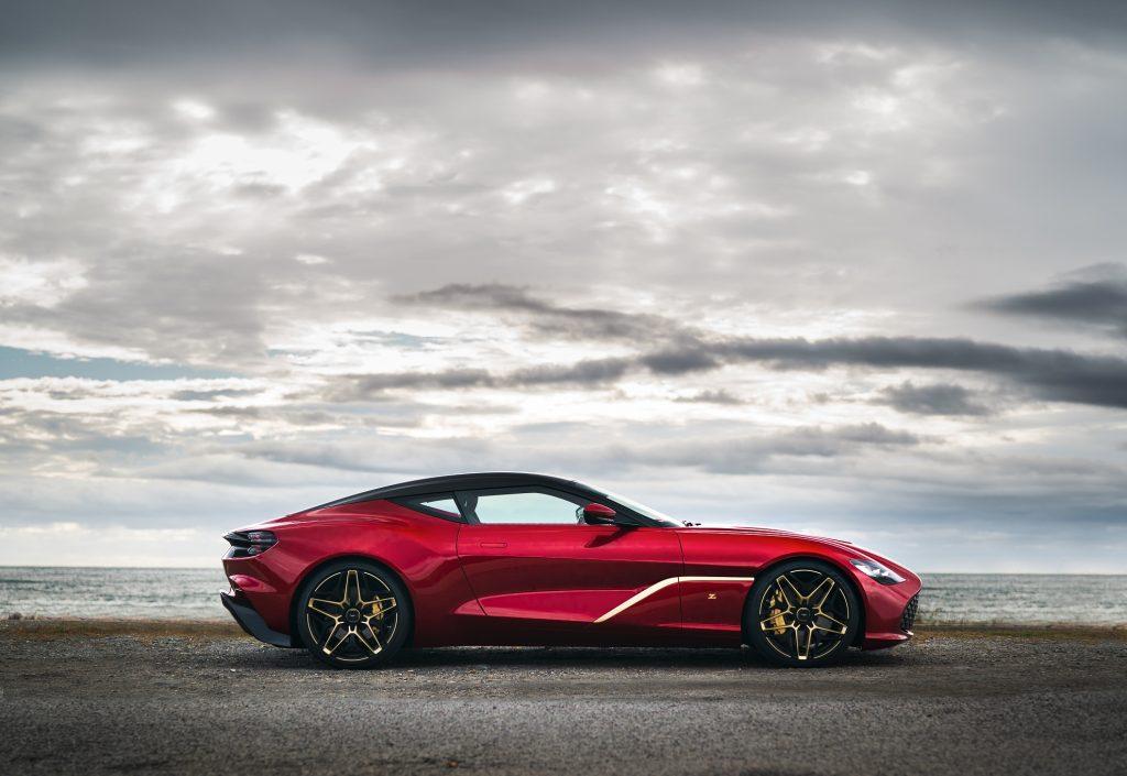 Aston Martin DBS GT Zagato 2020, вид сбоку