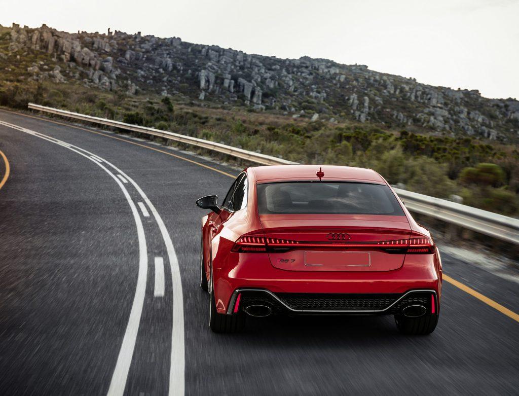 Новый Audi RS7 Sportback, вид сзади