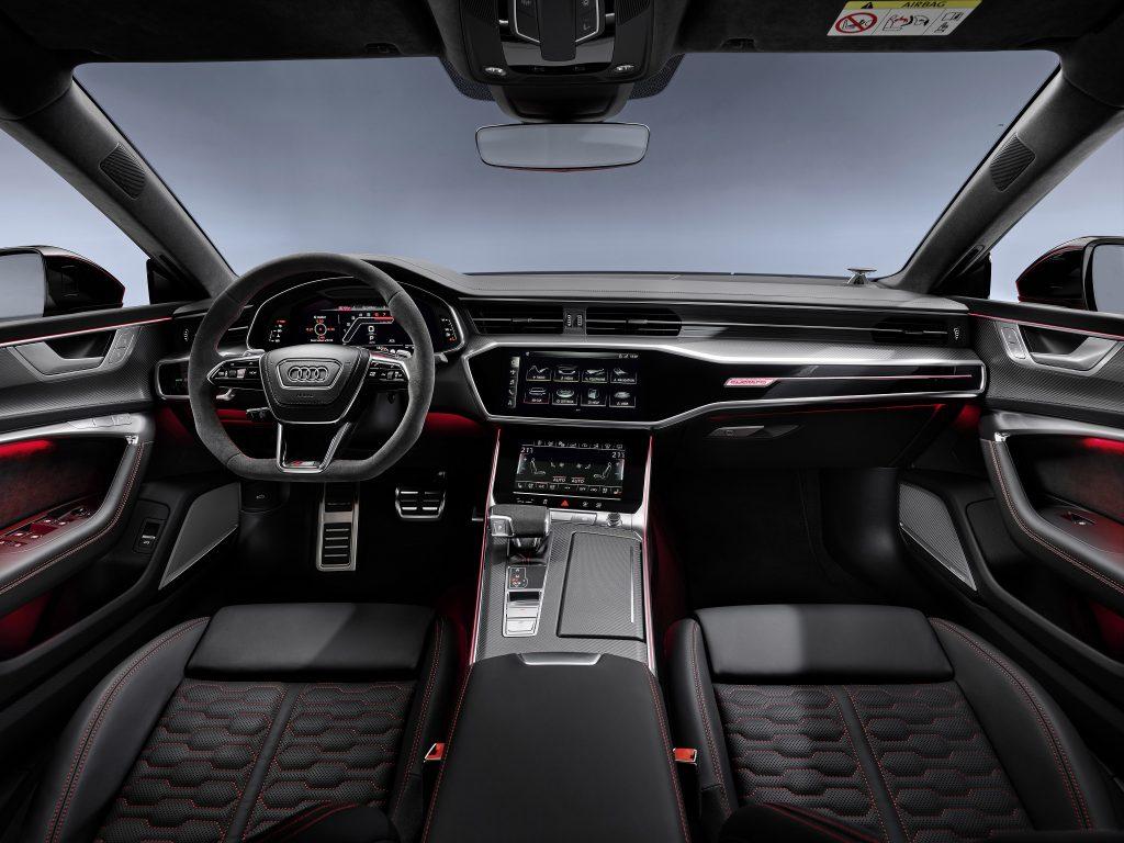 Audi RS7 Sportback 2020, передняя панель
