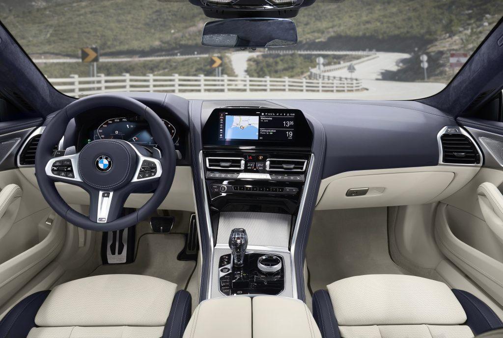 BMW 8 Series Gran Coupe, передняя панель