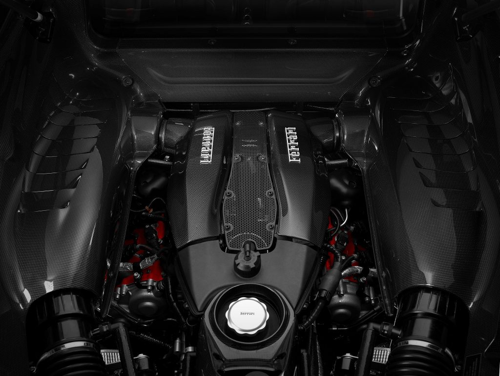 Ferrari F8 Tributo 2020, двигатель