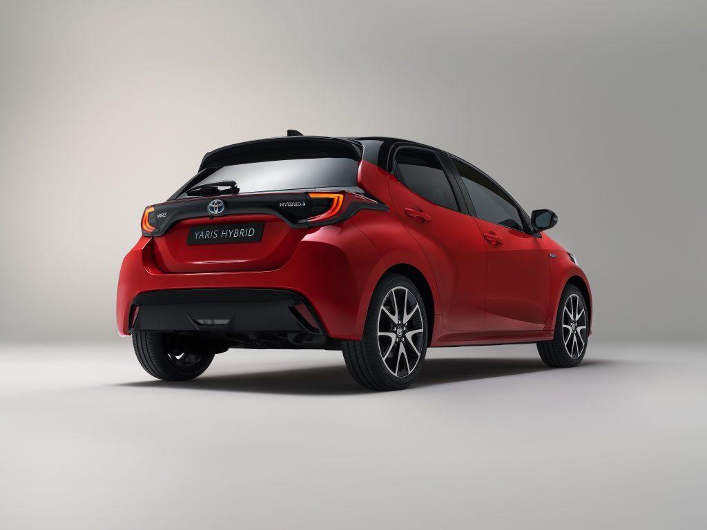 Toyota Yaris 2020, вид сзади