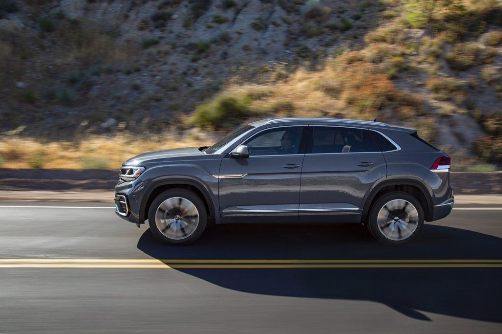 Volkswagen Atlas Cross Sport, вид сбоку