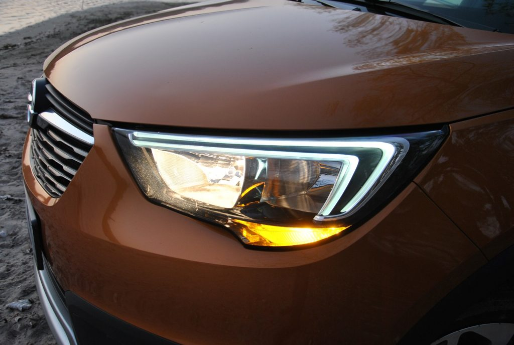 Opel Crossland X 2019, фары
