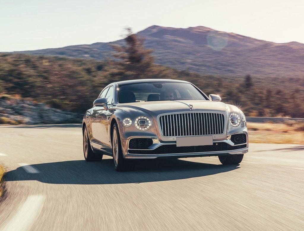Bentley Flying Spur 2020, вид спереди