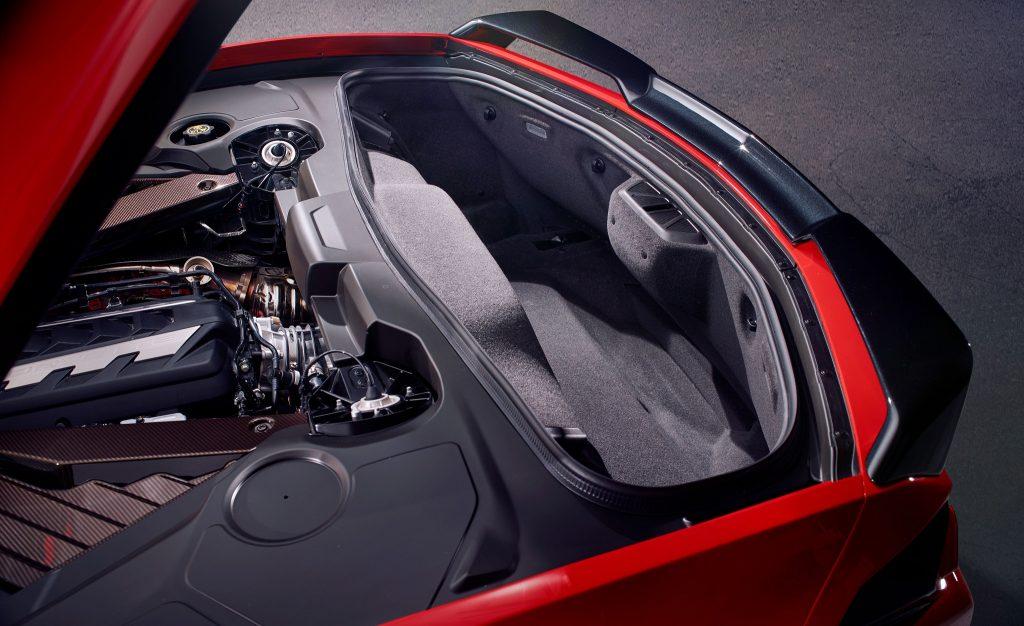 Новый Chevrolet Corvette, задний багажник