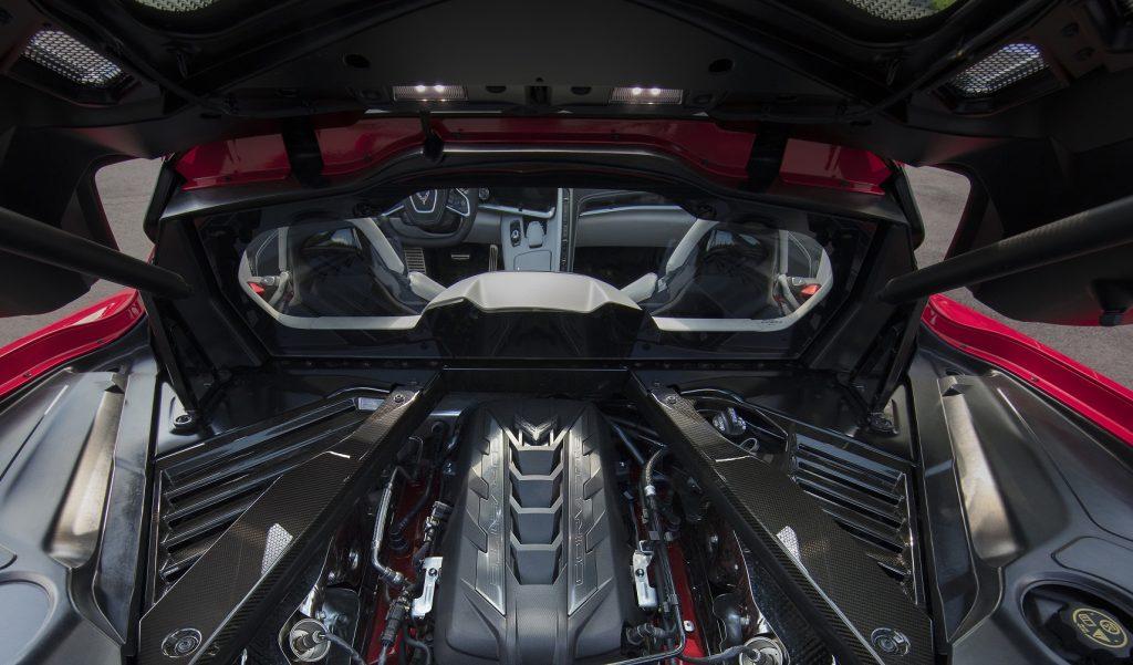 Chevrolet Corvette Stingray, двигатель