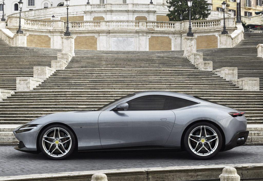 Ferrari Roma 2020, вид сбоку
