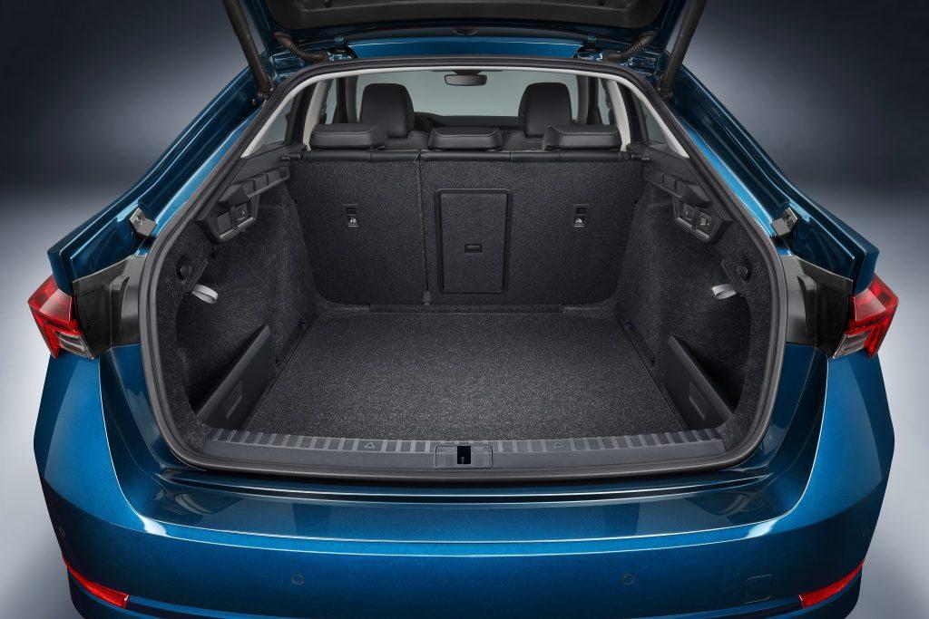 Skoda Octavia 2020, багажник