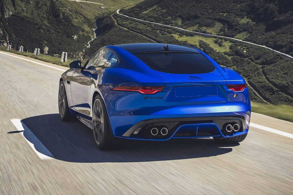 Jaguar F-Type 2020, вид сзади