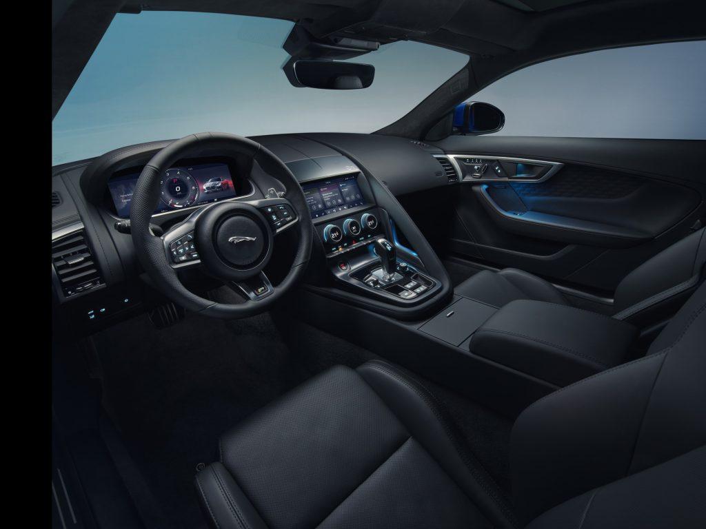 Новый Jaguar F-Type, передняя панель