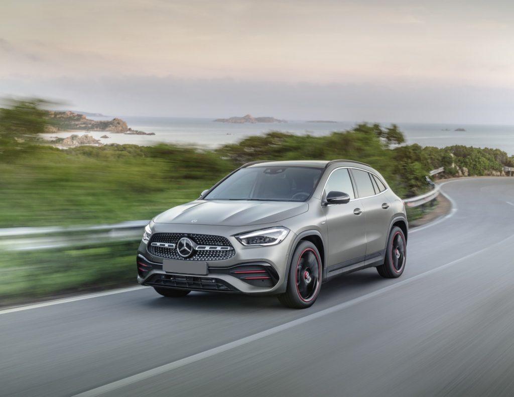 Mercedes-Benz GLA 2020, вид спереди