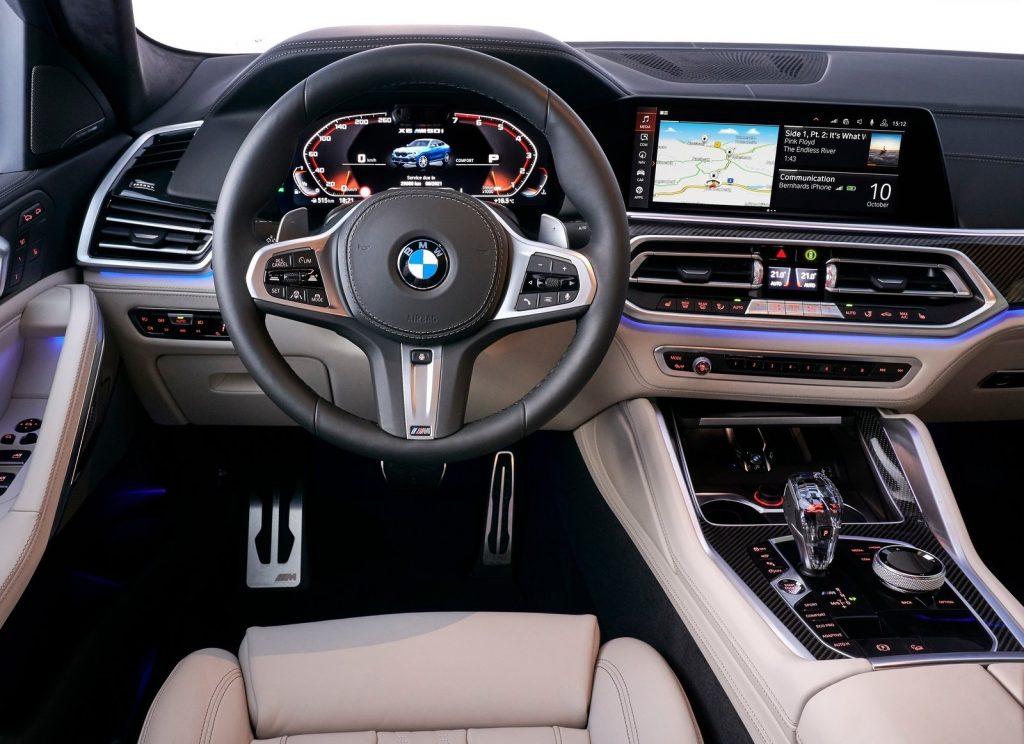 Новый BMW X6, передняя панель