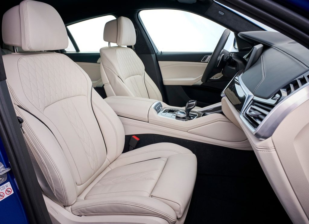 BMW X6, передние сиденья