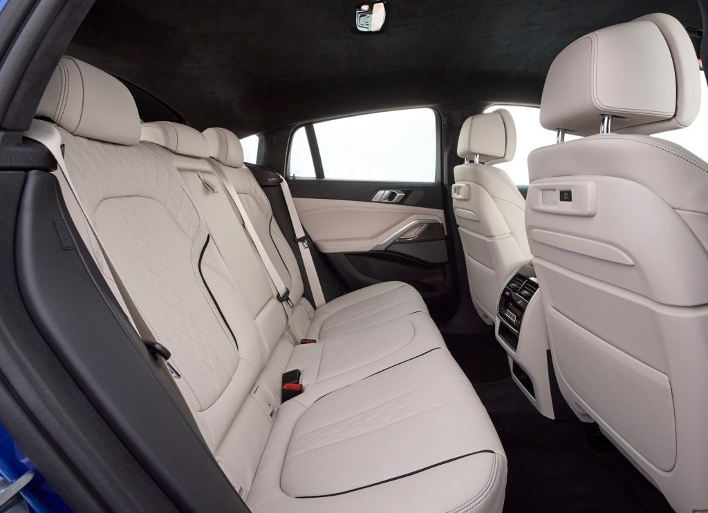 Новый BMW X6, задние сиденья