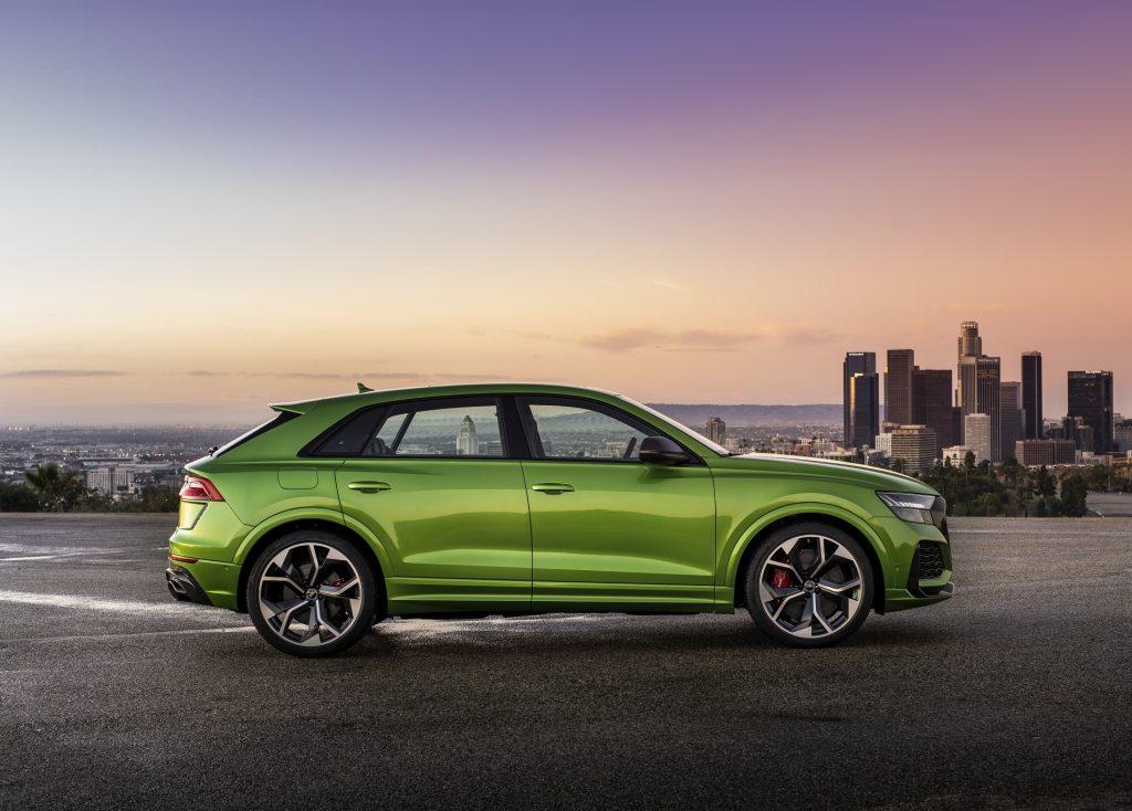 Audi RS Q8 2020, вид сбоку