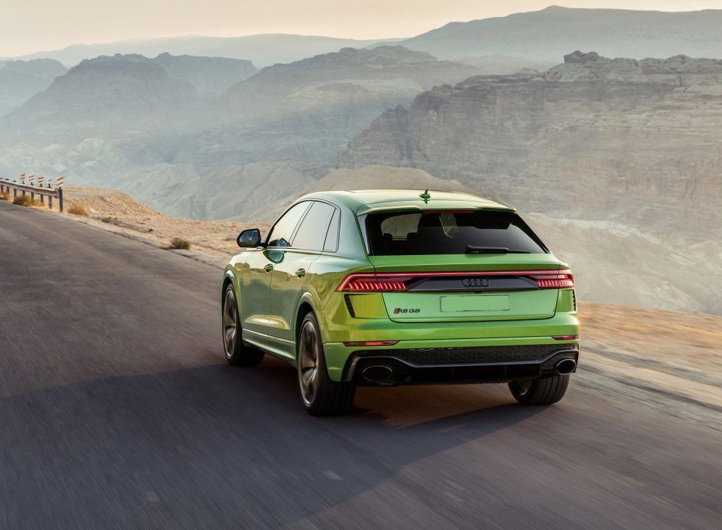 Audi RS Q8 2020, вид сзади