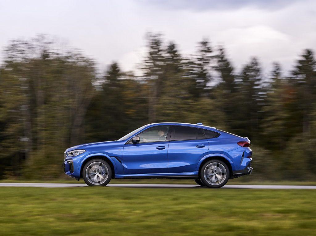 BMW X6 2020, вид сбоку