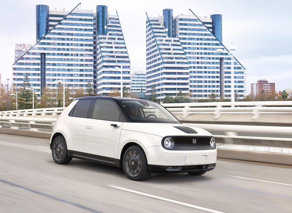 Honda e, вид на переднюю диагональ