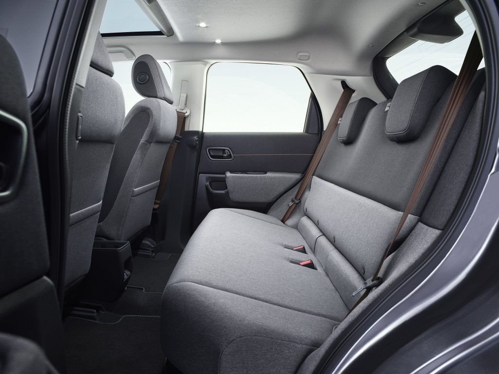 Новая Honda e, задние сиденья