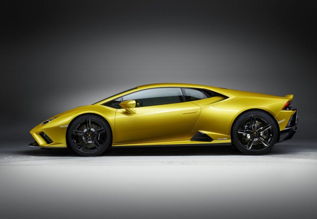Lamborghini Huracan Evo RWD 2020, вид сбоку