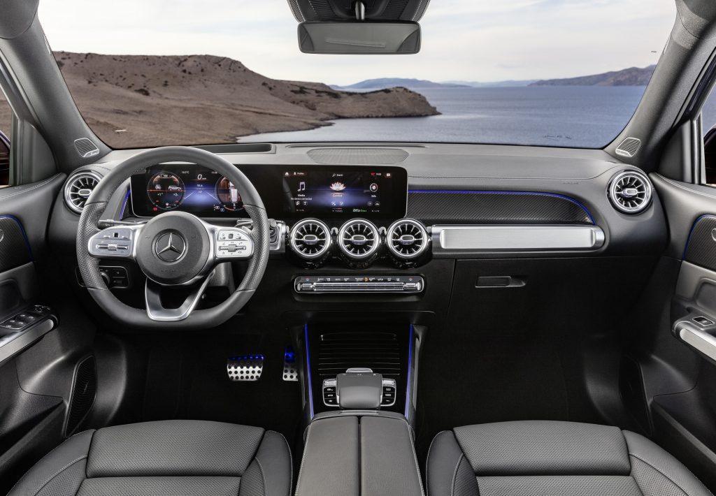 Mercedes-Benz GLB 2020, передняя панель