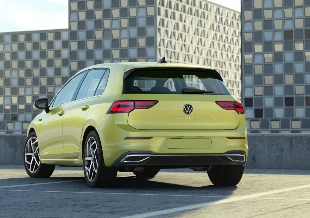 Новый Volkswagen Golf 8, вид сзади