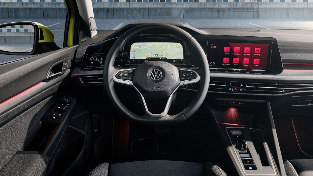 Volkswagen Golf 2020, передняя панель
