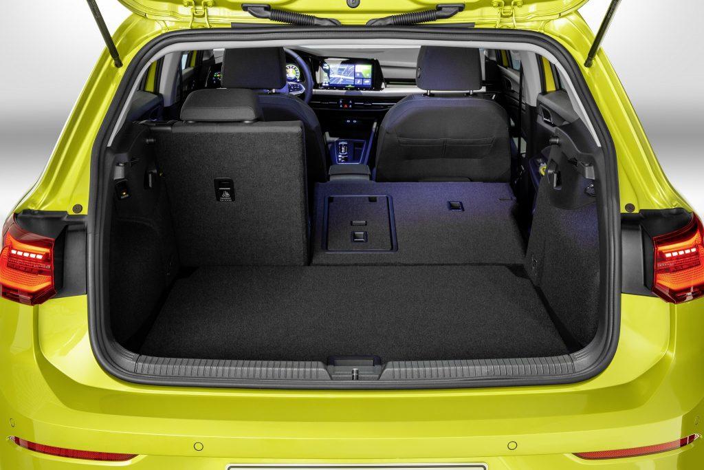 Новый Volkswagen Golf VIII, багажник