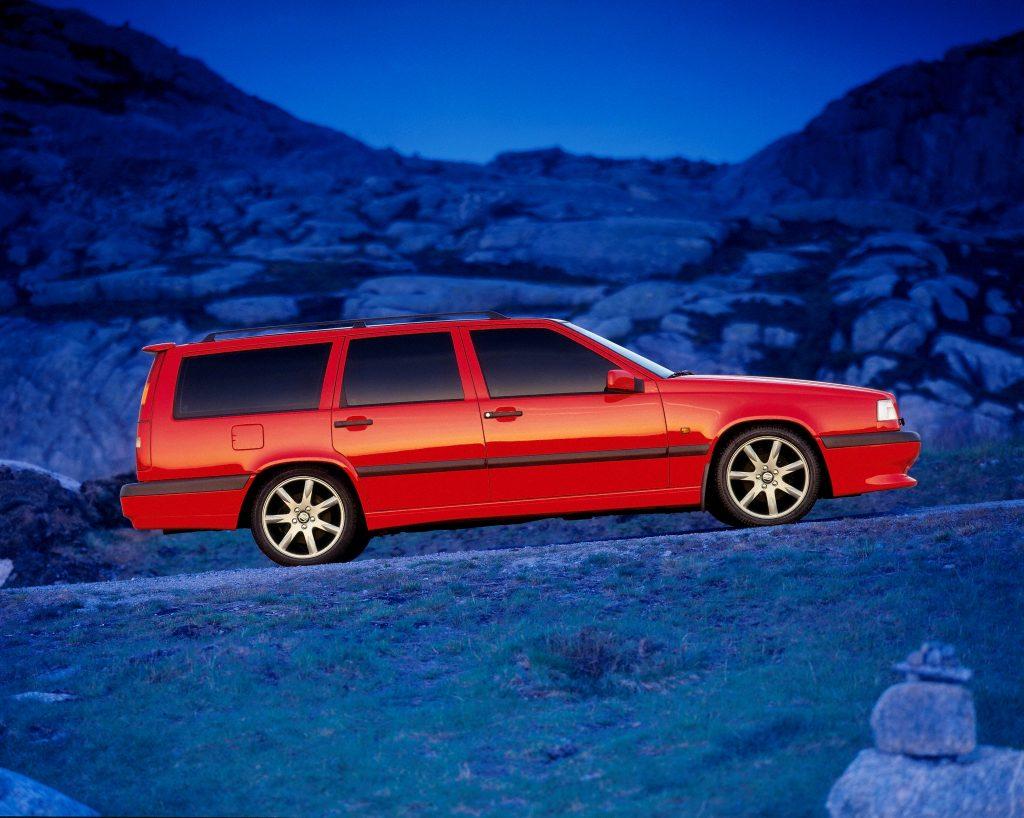 Заряженный универсал Vovo 850 R 1996 года