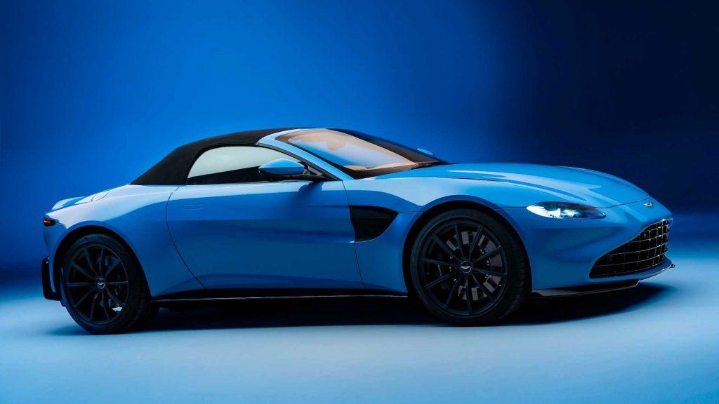 Кабриолет Aston Martin Vantage, вид сбоку