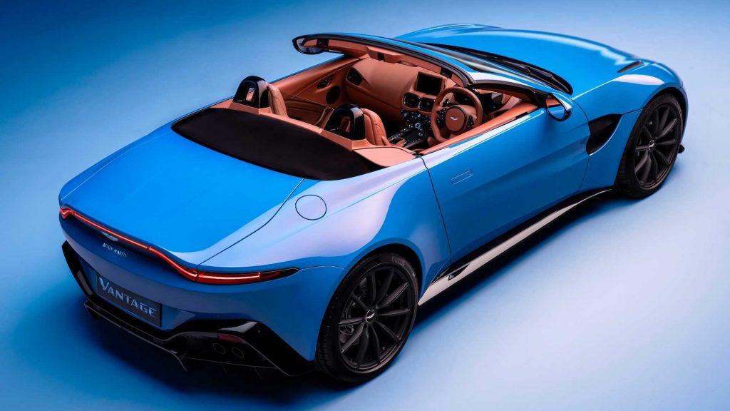 Aston Martin Vantage Roadster, вид на заднюю диагональ