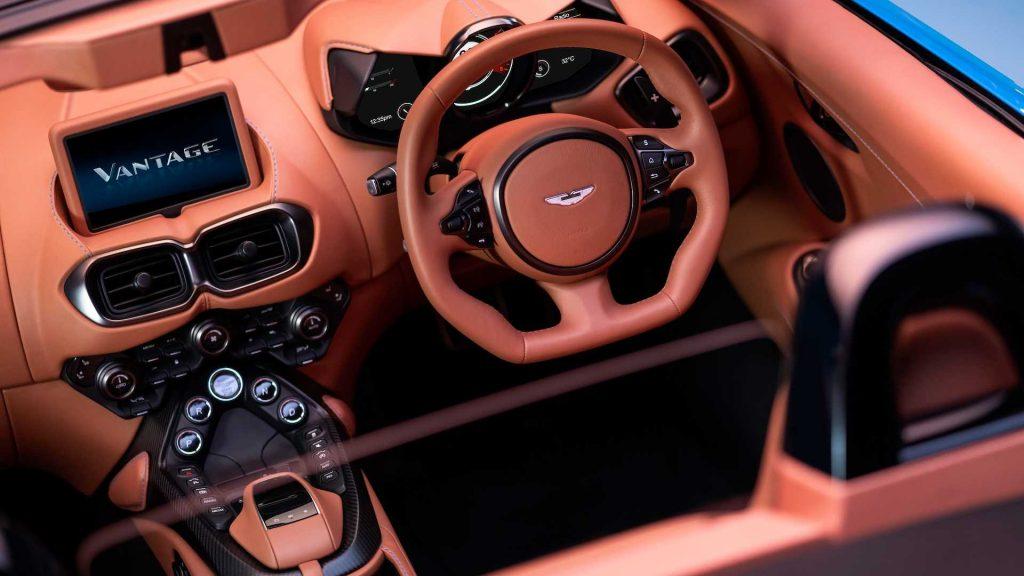 Aston Martin Vantage Roadster, салон