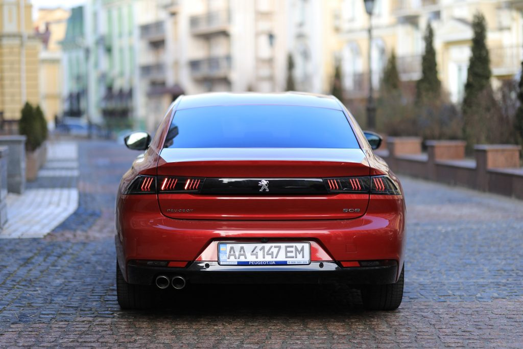 Peugeot 508 2020, вид сзади