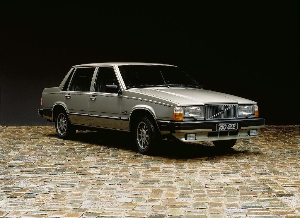 Volvo 760 1982 года