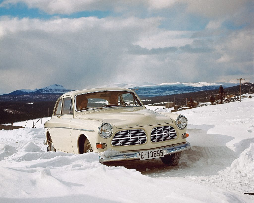 Volvo Amazon первым в мире получил ремни безопасности