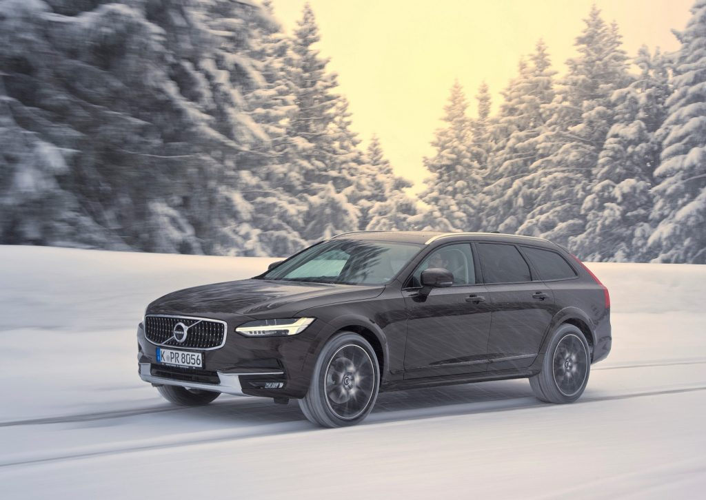Volvo V90 Cross Country 2016 года