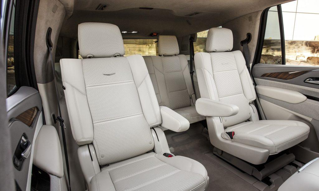 Новый Cadillac Escalade, задние сиденья