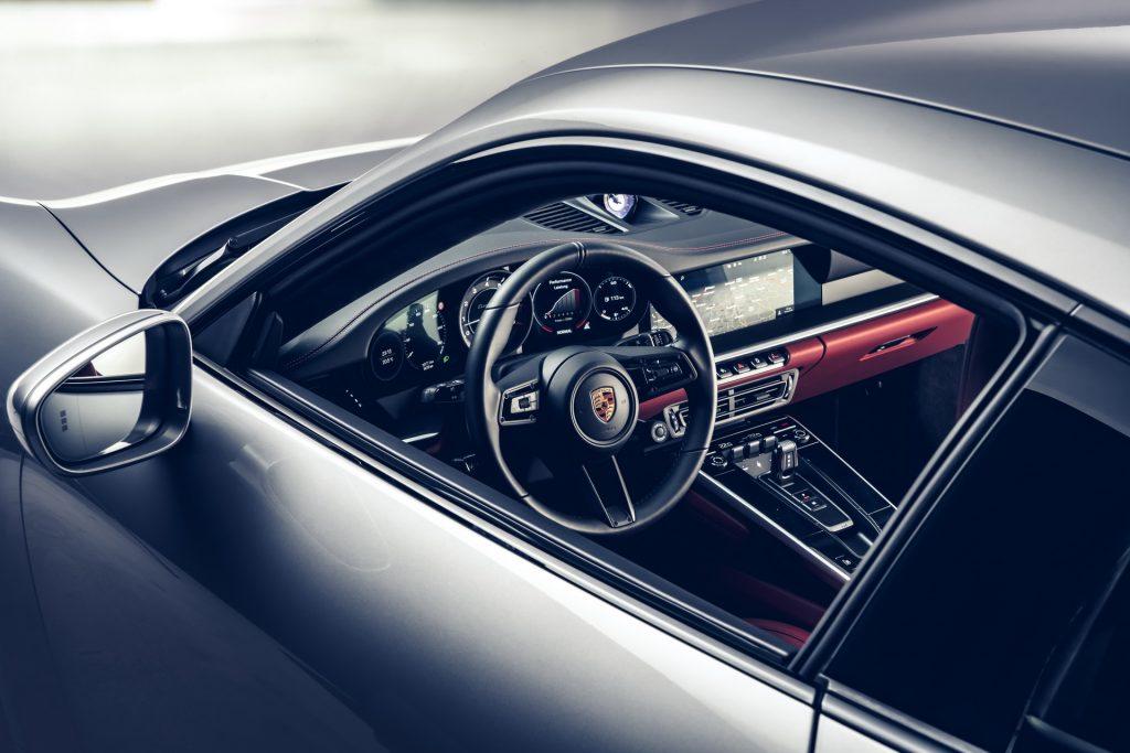 Porsche 911 Turbo, передняя панель