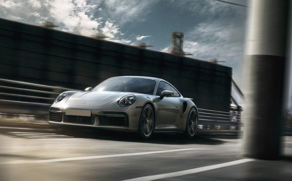Porsche 911 Turbo 2020, вид спереди